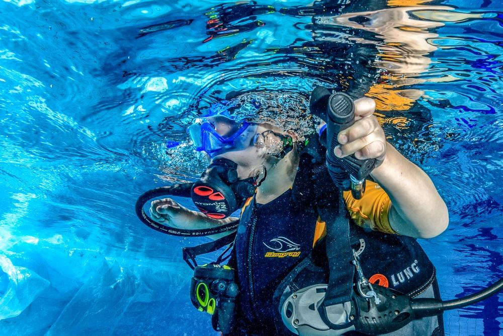 Kurz potápění v bazénu